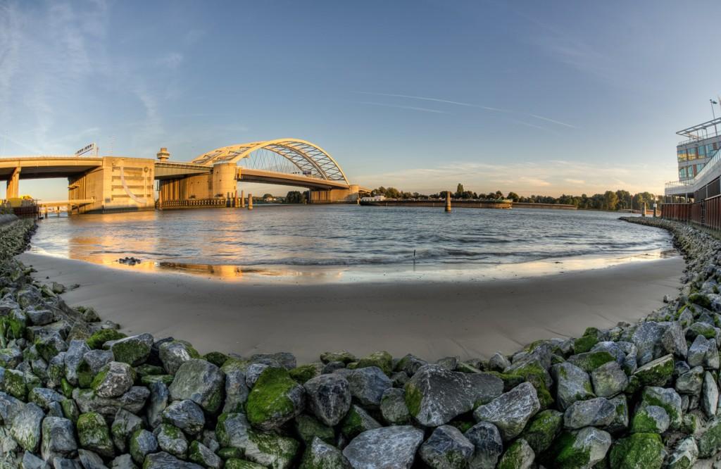 Brienenoordbrug gezien vanaf de Schaardijk